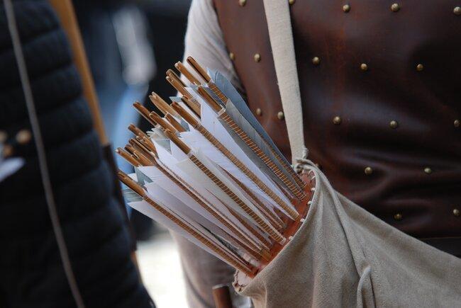 longbow archery arrows