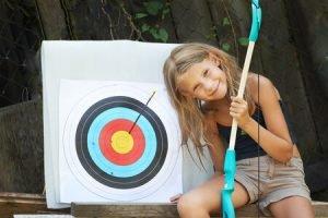 beginner archery girl